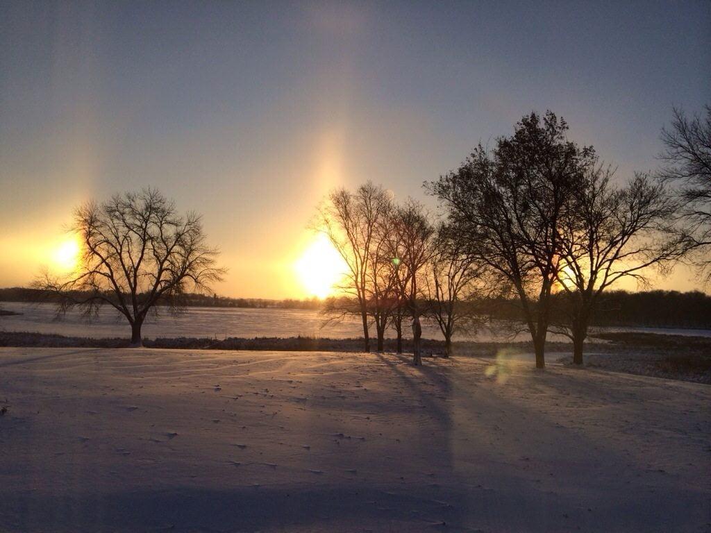 Sundogs on oak lake!